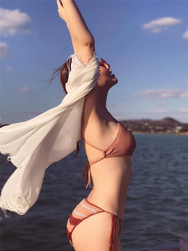 thieu bao trang mac bikini, tao dang bao chang kem gi ngoc trinh hinh anh 6