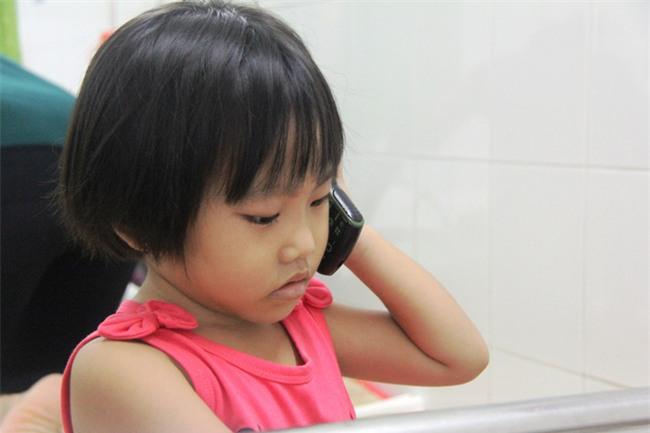Mong ước của bé gái 5 tuổi mắc bệnh ung thư xương: Con nhớ mẹ lắm, mẹ ở đâu mau về với con - Ảnh 4.