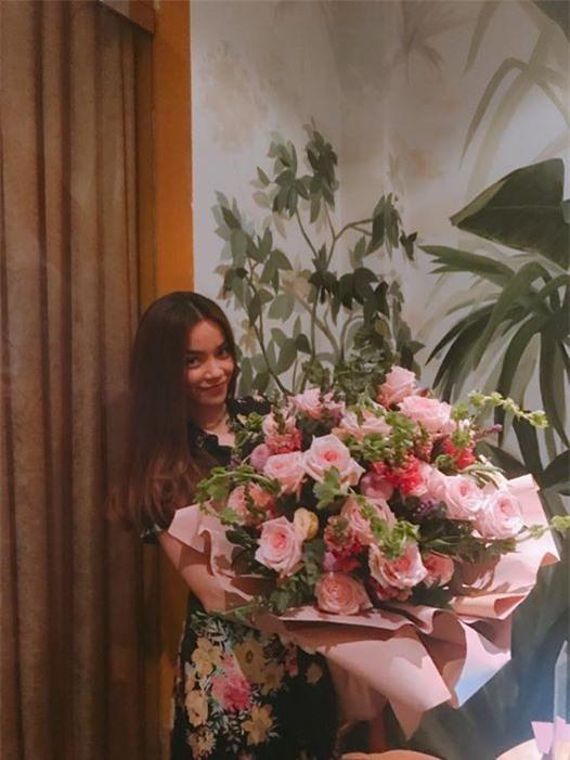 ,nữ ca sĩ hồ ngọc hà,Hồ Ngọc Hà hẹn hò đại gia,nam diễn viên Kim Lý, sao Việt
