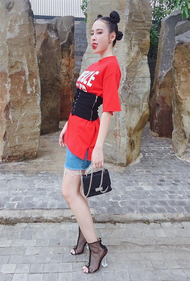 Street style sao Việt tuần này: Ấn tượng nhất là màn đọ chân thon dài siêu nuột của Ngọc Trinh và Kỳ Duyên - Ảnh 5.