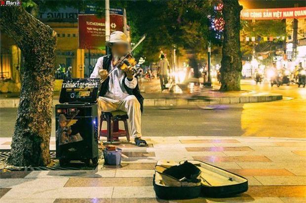 Nghệ sĩ đường phố 82 tuổi ở Hải Phòng bị xe container tông tử vong - Ảnh 2.