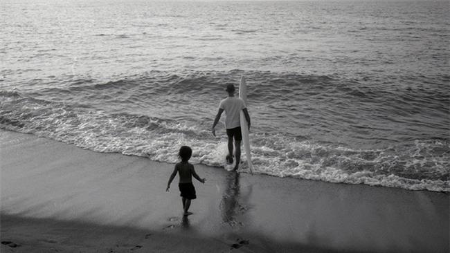 Biến biển cả thành lớp học - gia đình Philippines khiến mọi người kinh ngạc về cách dạy con của mình - Ảnh 3.