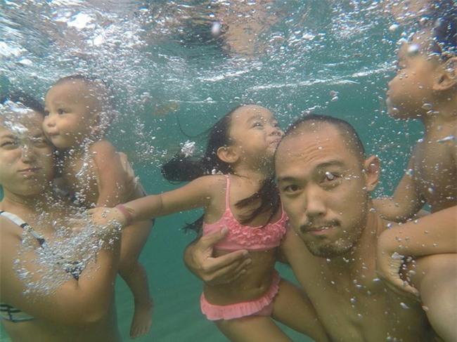 Biến biển cả thành lớp học - gia đình Philippines khiến mọi người kinh ngạc về cách dạy con của mình - Ảnh 4.