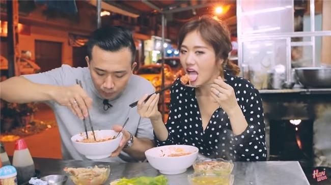 Hari Won công khai nhắc Trấn Thành vì hành động suồng sã ôm ấp vợ giữa quán ăn-2