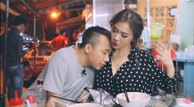 Hari Won công khai nhắc Trấn Thành vì hành động suồng sã ôm ấp vợ giữa quán ăn-3
