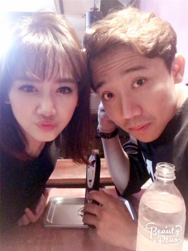Hari Won công khai nhắc Trấn Thành vì hành động suồng sã ôm ấp vợ giữa quán ăn-5