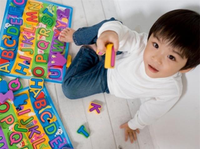 Dạy trẻ học chữ sớm: Làm thế nào để không hại con? - Ảnh 1.