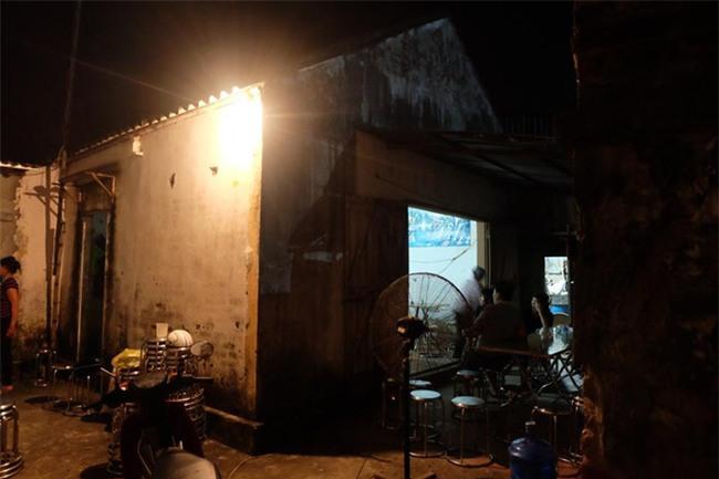 Vụ cháy khiến 8 người chết tại xưởng bánh kẹo: Kinh hoàng cảnh 7 nạn nhân ôm nhau chết cháy trong nhà tắm - Ảnh 4.
