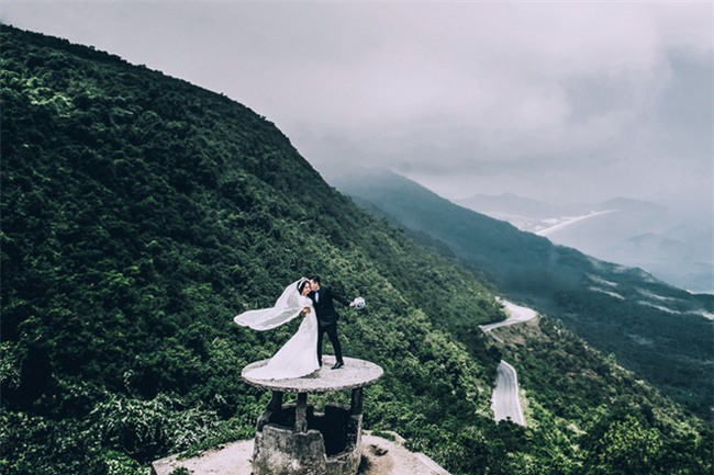 Điểm danh dâu rể Việt nổi tiếng vì trèo đèo lội suối xuyên Việt, chi bạc tỷ cho ảnh cưới - Ảnh 18.