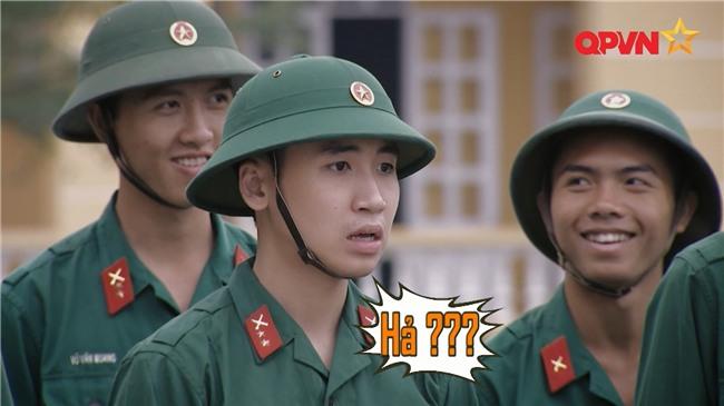 'Chết cười' khi xem Khắc Việt đuổi bắt trộm trong quân ngũ-3