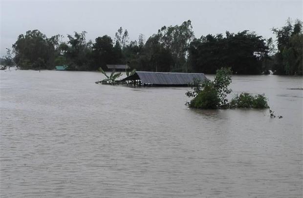 Loạt ảnh đáng sợ về thảm cảnh ngập lụt đang khiến người dân Thái Lan khốn đốn - Ảnh 12.