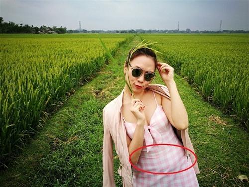 "my tam ""map"" o tuoi u40 van tao bao mac vay khoet sau khoe nguc day hinh anh 4"