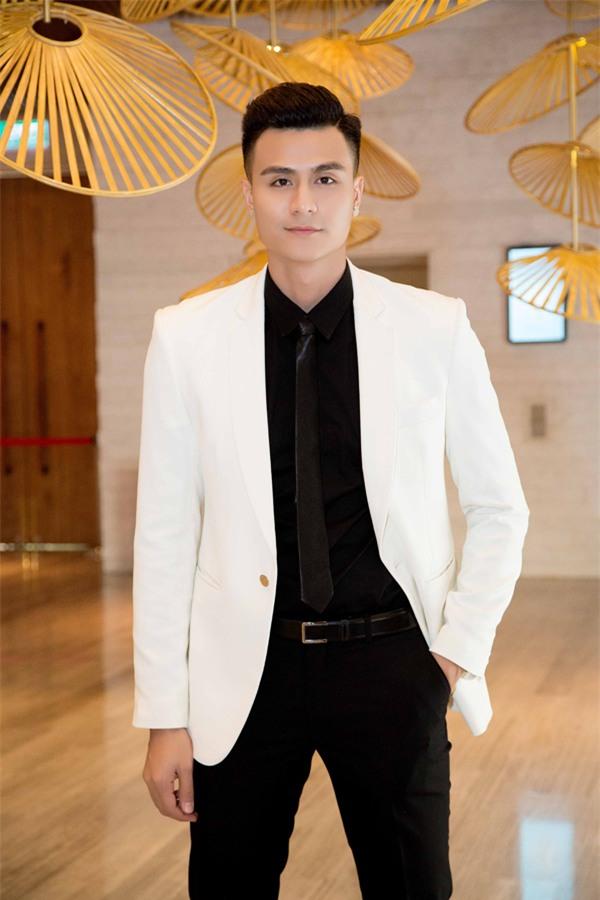 Không cần 'đập mặt', showbiz Việt vẫn có rất nhiều mỹ nam đẹp không góc chết-3