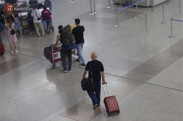 Cao thủ Vịnh Xuân Flores rời Việt Nam vào đêm muộn - Ảnh 3.