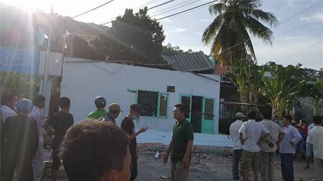 Hiện trường vụ sập ban công nhà cấp bốn, 3 người tử vong - 5