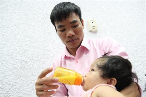 "hanh phuc vo oa khi hai ""cong chua"" ra doi tu tinh trung bat dong 100% cua nguoi bo - 2"