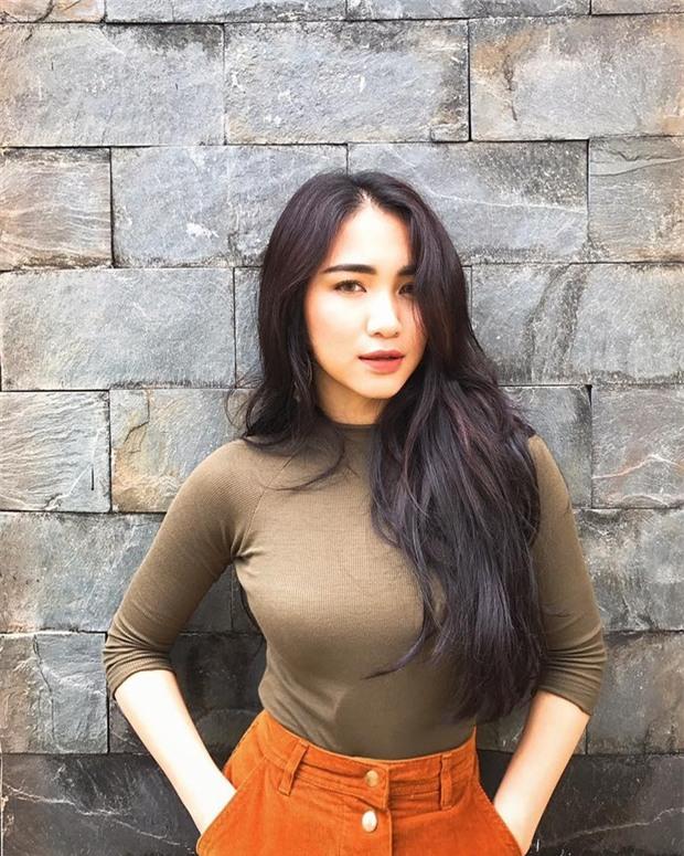 Đăng status tâm trạng, Hòa Minzy đang ngầm khoe có bạn trai mới?-3