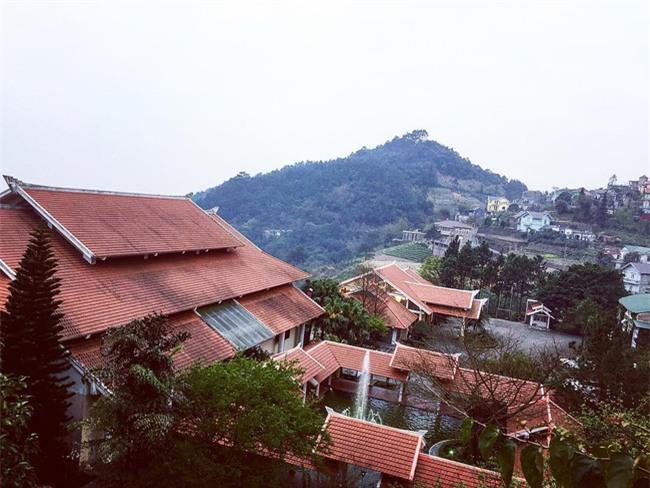 2 resort có bể bơi vô cực với view đụng núi đẹp ngất ngây, cách Hà Nội chỉ 1 đêm đi tàu - Ảnh 10.