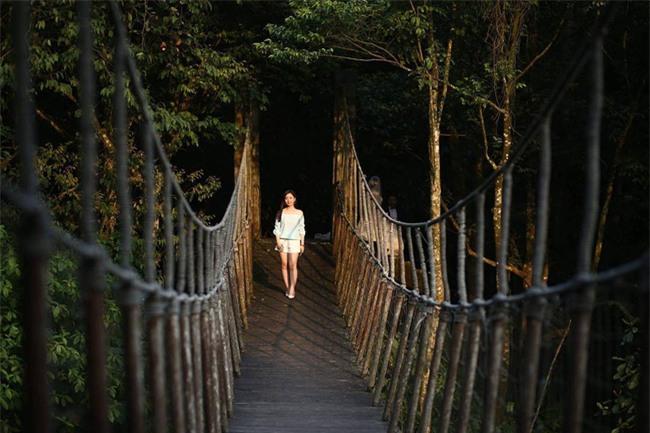 2 resort có bể bơi vô cực với view đụng núi đẹp ngất ngây, cách Hà Nội chỉ 1 đêm đi tàu - Ảnh 13.