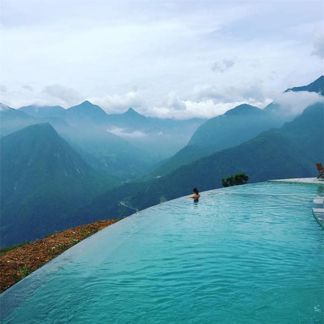 2 resort có bể bơi vô cực với view đụng núi đẹp ngất ngây, cách Hà Nội chỉ 1 đêm đi tàu - Ảnh 6.