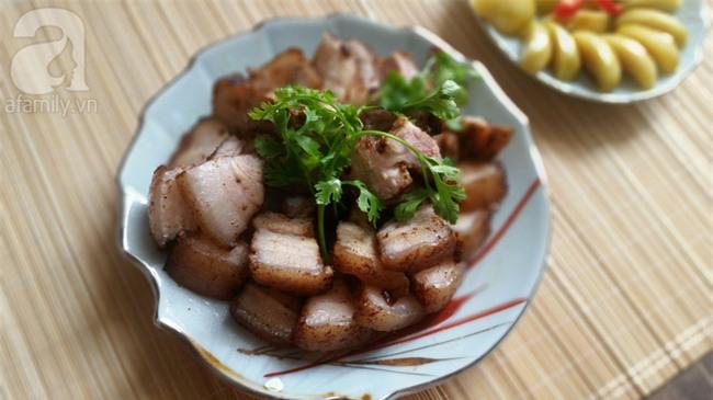 3 bước siêu nhanh làm thịt heo áp chảo quá hợp cho bữa tối ngày mưa - Ảnh 4.