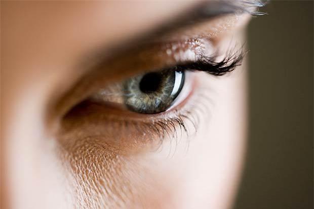 6 nguyên nhân dẫn đến chứng mất thị lực một bên mắt tạm thời - Ảnh 1.