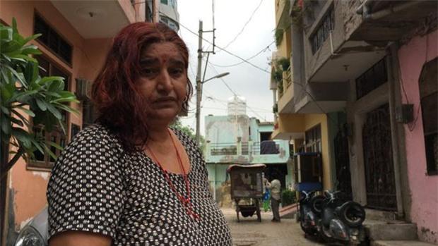 Ấn Độ: Hơn 50 phụ nữ hoảng sợ khi bị thôi miên rồi cắt tóc đầy bí ẩn - Ảnh 1.