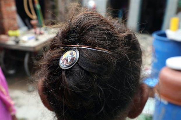 Ấn Độ: Hơn 50 phụ nữ hoảng sợ khi bị thôi miên rồi cắt tóc đầy bí ẩn - Ảnh 4.