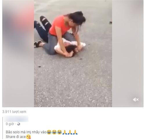 Phẫn nộ đoạn video 3 nữ sinh đánh hội đồng, xé rách áo bạn gái giữa đường - Ảnh 4.
