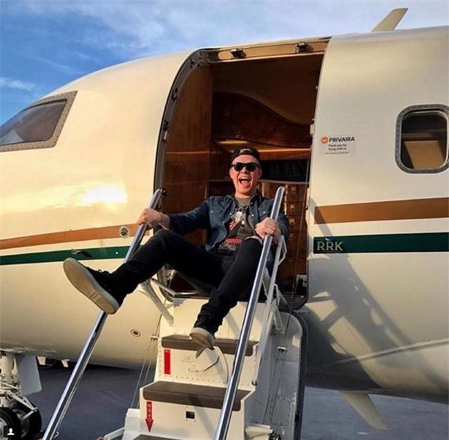 """Hội con nhà giàu Nga """"phá đảo"""" Instagram vì độ chịu chơi - Ảnh 4."""