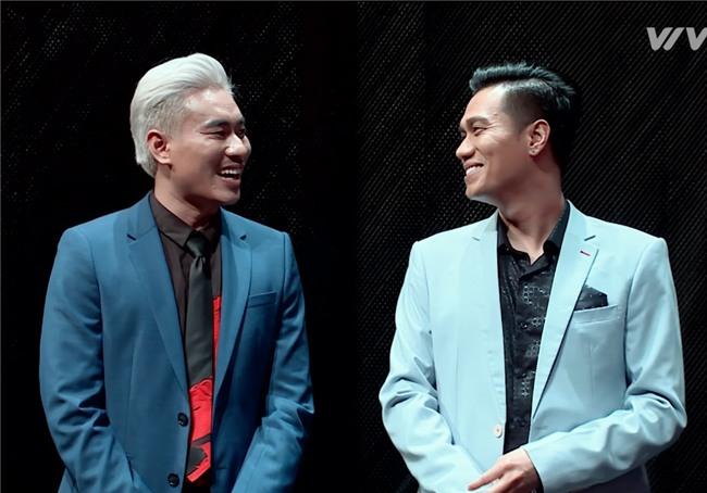 Việt Anh hợp sức Kiều Minh Tuấn 'bắt nạt' thí sinh The Face 2017-1