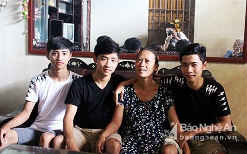 Nghệ An: Kỳ tích ba anh em sinh 3 cùng đậu vào một trường đại học quân sự - Ảnh 1.