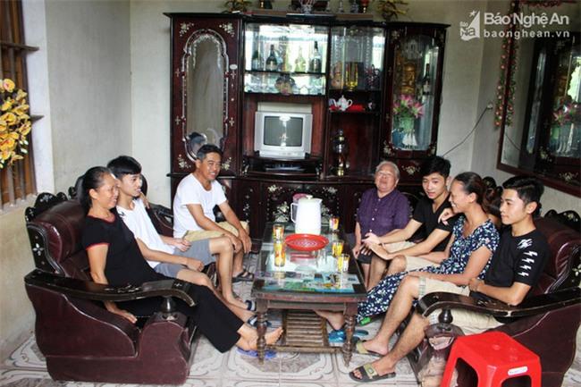Nghệ An: Kỳ tích ba anh em sinh 3 cùng đậu vào một trường đại học quân sự - Ảnh 3.