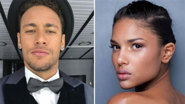 Neymar dẫn bạn gái siêu mẫu chào PSG, thành Paris phát cuồng - 9