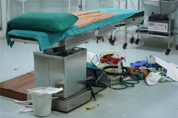 Bộ ảnh phơi bày mặt trái của nghề buôn nội tạng: Cứ mỗi giờ qua lại có 1 ca bán tạng trên thế giới - Ảnh 10.