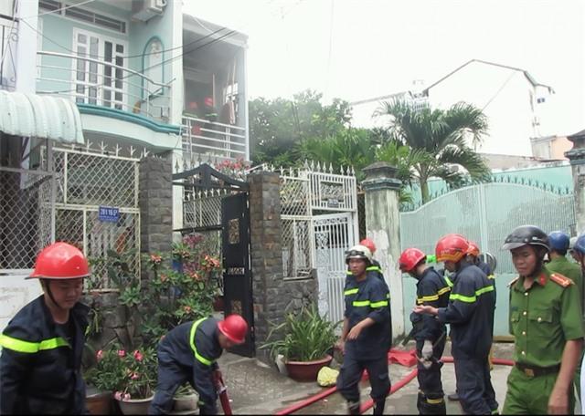 Cảnh sát PCCC tại hiện trường