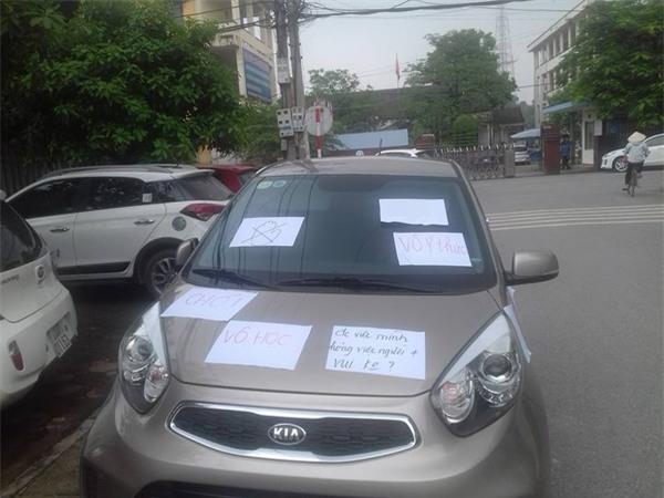 Đỗ ô tô sai vị trí, tài xế giật mình với hình ảnh trước mắt khi quay lại - Ảnh 1.