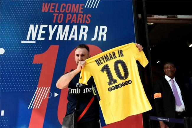Neymar da toi Paris, chuan bi cho le ra mat lon nhat lich su PSG hinh anh 6