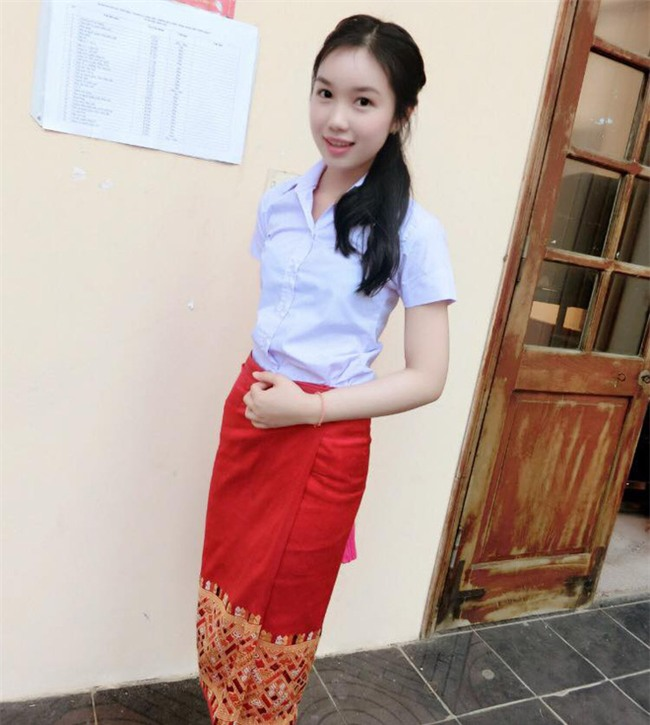 Chân dung nữ sinh Lào gây chú ý trên mạng xã hội Việt ít ngày qua - Ảnh 1.