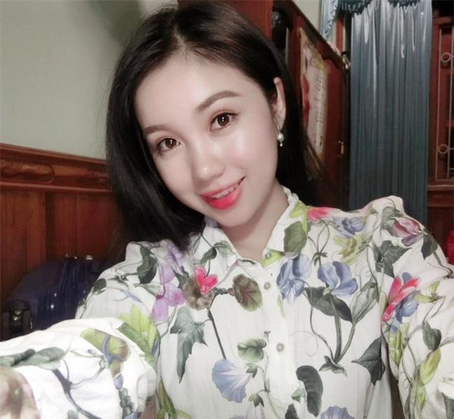 Chân dung nữ sinh Lào gây chú ý trên mạng xã hội Việt ít ngày qua - Ảnh 3.