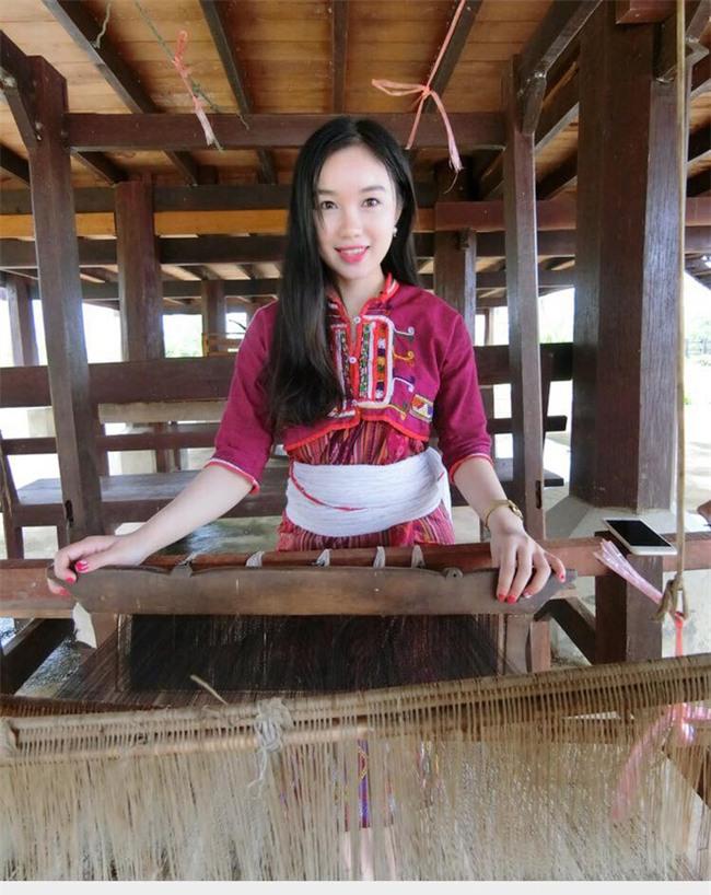 Chân dung nữ sinh Lào gây chú ý trên mạng xã hội Việt ít ngày qua - Ảnh 5.