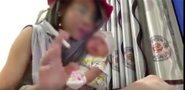 Bác sĩ tâm lí nói về vụ hotgirl Bella ôm con hút thuốc: Người mẹ này có biểu hiện tâm lí bất thường - Ảnh 3.