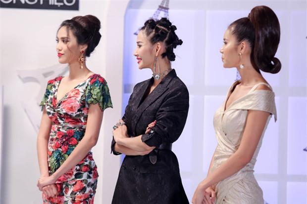 Không phải Lan Khuê, chính Hoàng Thùy mới là 'chị Đại' tại The Face 2017-11