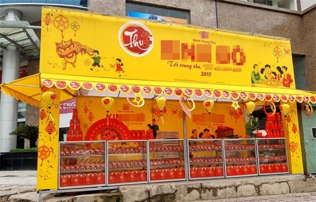 Hà Nội: Hơn 2 tháng nữa mới đến Rằm tháng 8, nhiều nơi đã rục rịch bày bán bánh Trung thu - Ảnh 1.