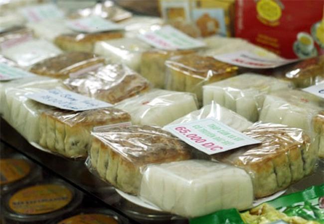 Hà Nội: Hơn 2 tháng nữa mới đến Rằm tháng 8, nhiều nơi đã rục rịch bày bán bánh Trung thu - Ảnh 3.