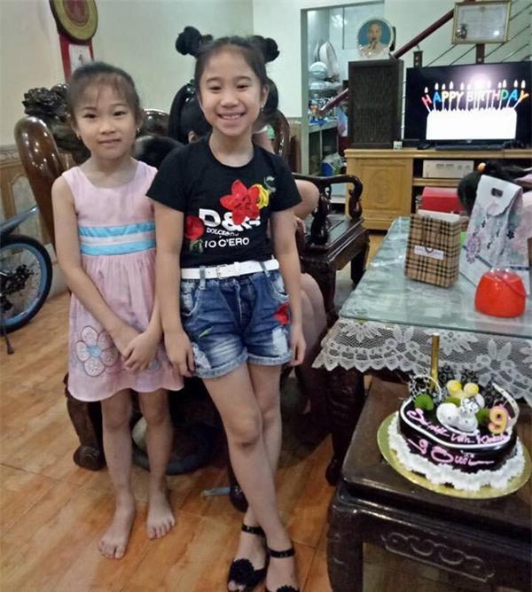 Dàn đồng ca nhí hát hit 'Lạc trôi' trong bữa tiệc sinh nhật cô bé lớp 4 thu hút sự chú ý-1