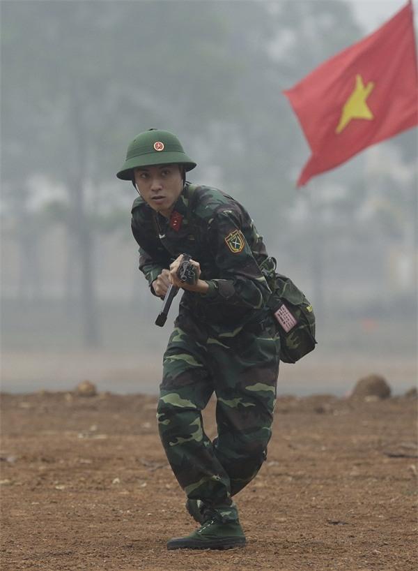 Khắc Việt 'cười không ngậm được miệng' khi xem đàn em đi khom trong quân ngũ-3