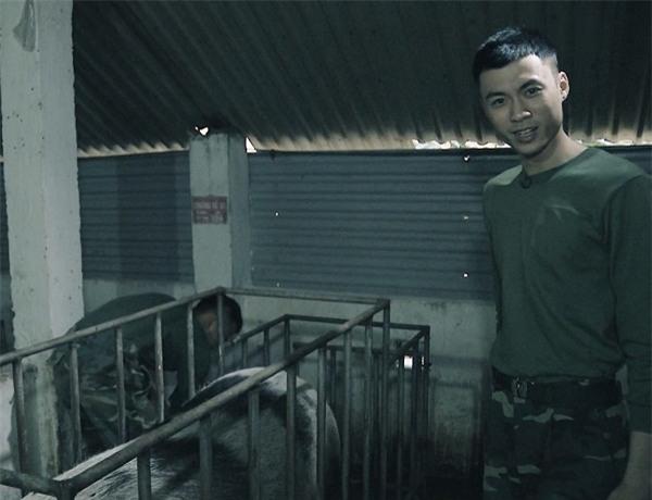 Khắc Việt 'cười không ngậm được miệng' khi xem đàn em đi khom trong quân ngũ-4