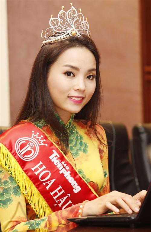 """Không xuất hiện thì thôi mà cứ mỗi lần ra mặt, dàn sao Việt lại khiến fan """"mắt chữ A mồm chữ O"""" - Ảnh 9."""