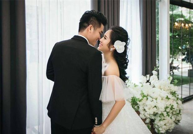 Hé lộ ảnh cưới của Lê Phương cùng bạn trai phi công kém 7 tuổi trước ngày lên xe hoa - Ảnh 1.